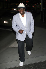 Cedric the Entertainer looked oh-so-cool in a patterned blue blazer.