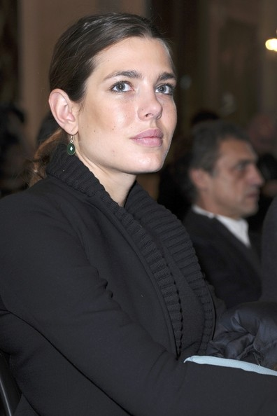 Charlotte Casiraghi accessorized with a pair of green gemstone drop earrings at the Gucci Masters press conference.