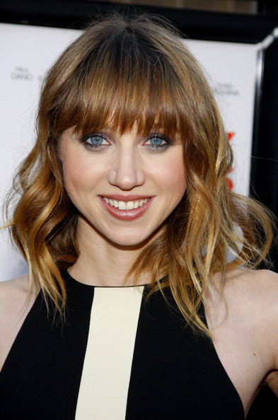 More Pics of Zoe Kazan Medium Wavy Cut with Bangs (1 of 2) - Zoe Kazan Lookbook - StyleBistro