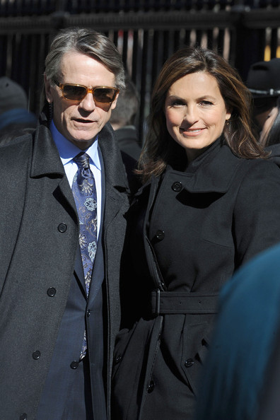Jeremy Irons was spotted filming scenes for 'Law And Order: SVU' in a pair of rectangular Alain Mikli sunglasses.
