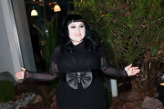 Beth Ditto cinched her waist in this black bowed belt at the Sidaction Gala Dinner.