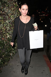 The flowy hem on Courteney's knit top gave it a cool, boho feel.