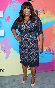 Kym Whitley looked classic and sophisticated at the Pre-BET Awards Celebration Dinner where she wore this blue lace frock.
