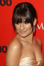 Lea Michele showed off her elegant side while strutting her stuff on the red carpet. Her dangling diamond earrings were the perfect accent to her hairstyle.
