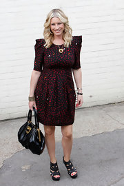 Denise van Outen carried a roomy leather bag on her way to the iTV Studios.