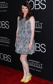 Bryce chose a soft gray and white floral A-line dress for her red carpet look at the 'Jobs' screening in LA.