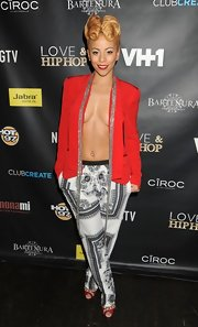 Kaylin rocked a silky red blazer...with nothing underneath. Enough said.