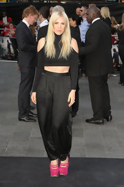 Natasha Bedingfield looked exotic at the 'World War Z' premiere in black harem pants and a midriff-baring top.