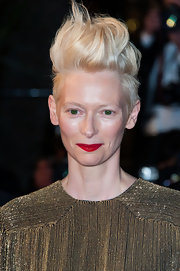 Tilda Swinton chose a blonde fauxhawk for her super edgy and daring 'do on the red carpet of the premiere of 'Only Lovers Left Alive.'