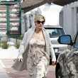 Elsa Pataky's Classic Floral