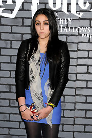 Lourdes showed off her British inspired clutch while attending the premiere of 'Harry Potter and the Deathly Hallows'.