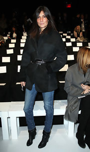 Emmanuelle Alt topped off her casual-chic look with a black suede jacket.