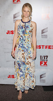 Joelle Carter wore a spring-time print during winter for the 'Justified' screening in LA.