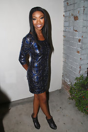 Brandy's eyes glowed in this smoky make up style.