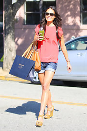 Jordana Brewster donned tan crisscross strap wedges to shop at Madewell in Beverly Hills.
