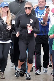 Fergie was suited up for the Youth Run 4 Japan in a pair of athletic capri yoga pants.