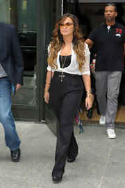 Demi was effortlessly chic in ombre curls.