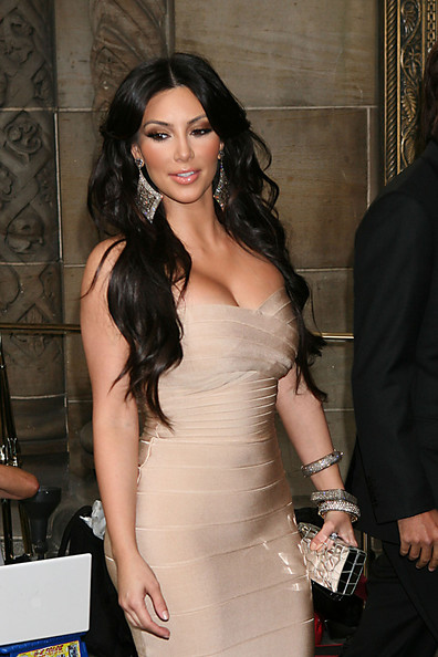 More Pics Of Kim Kardashian Long Curls 2 Of 2 Hair Lookbook