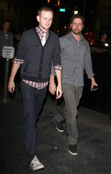 Jamie Kennedy's decided to go casual but still trendy in a chic-looking button down and black leather sneakers.