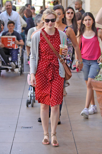 Gillian Jacobs Flat Sandals