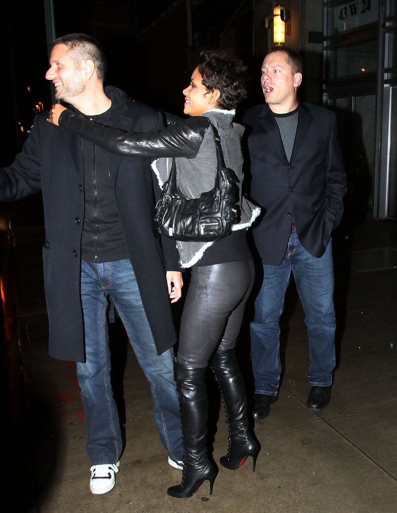 More Pics Of Halle Berry Leather Jacket 12 Of 17 Halle