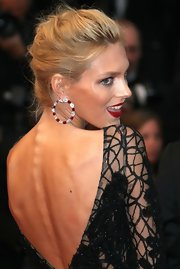 Anja Rubik oozed glamour at the 'Cosmopolis' premiere with her romantic French braid and dramatic dress.