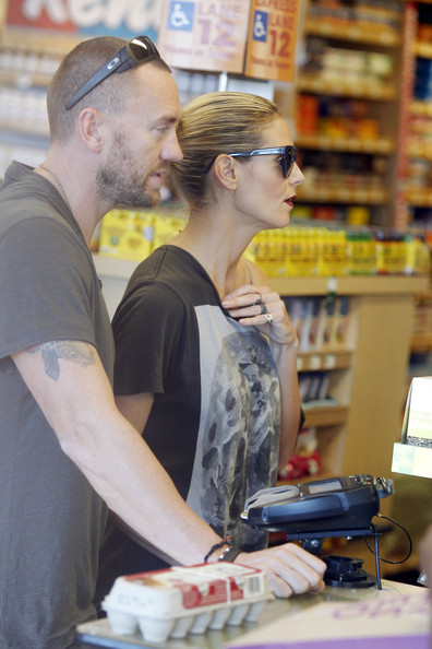 Heidi Klum and Martin Kristen Grocery Shop 2