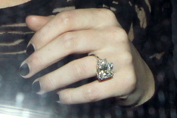 More Pics Of Hilary Duff Engagement Ring (1 Of 11)   Wedding Rings Lookbook    StyleBistro