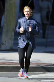 Claire Danes took a jog sporting a cool and sleek puffer-style jacket.