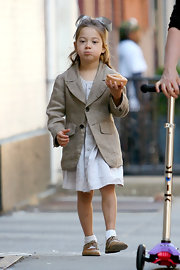 Ava Jackman was every bit the little prepster in a tan linen blazer.