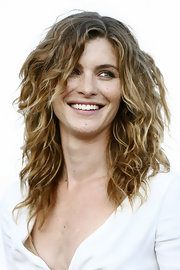 Vittoria's natural curls looked fabulously wild and windswept during a photo shoot in Venice.