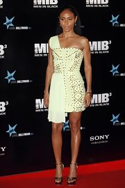 Jada Pinkett Smith looked like a warrior princess in this lime green studded dress on the 'Men In Black' red carpet.