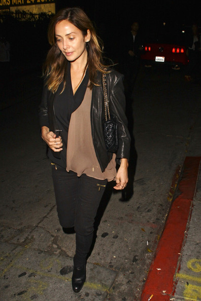 Natalie Imbruglia enjoyed a night out in Hollywood garbed in a leather jacket and black skinnies.