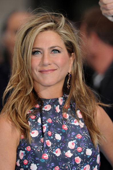 Jennifer Aniston Side Sweep