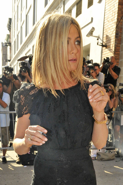 Jennifer Aniston Neutral Nail Polish