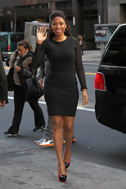 Jennifer Hudson wore a super-flattering LBD with mesh sleeves while walking to her book release in NYC.