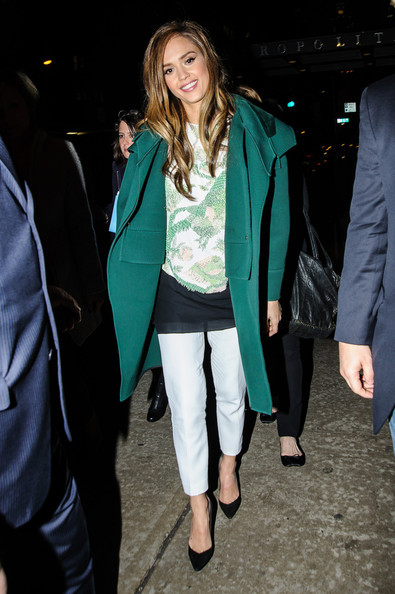 More Pics of Jessica Alba Wool Coat (1 of 8) - Wool Coat Lookbook - StyleBistro