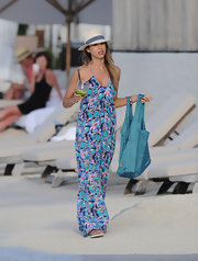 Jessica Alba mastered the carefree, beach-style of St. Barts when she sported this multi-colored maxi dress.