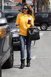 Motorcycle boots added a rocker edge to Jessica Alba's casual daytime look.