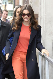 Jessica Biel gave her attire a slightly retro vibe with a pair of flattering tortoiseshell cateyes.