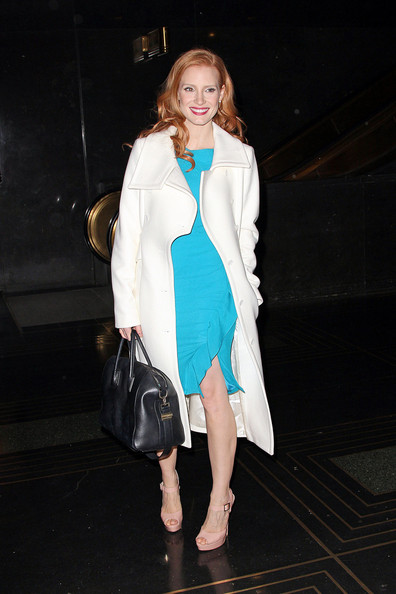 More Pics of Jessica Chastain Leather Shoulder Bag (9 of 12) - Jessica Chastain Lookbook - StyleBistro
