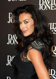 Megan Gale topped off her look with a gorgeous long curly 'do when she attended the David Jones fashion show.