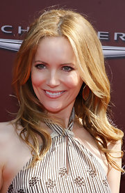Leslie Mann attended the 9th Annual Stuart House Benefit wearing her long hair in soft waves.