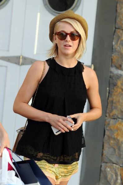 More Pics of Julianne Hough Loose Blouse (3 of 39) - Loose Blouse Lookbook - StyleBistro