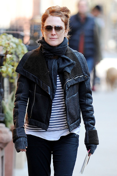 More Pics of Julianne Moore Bootcut Jeans (1 of 9) - Bootcut Jeans Lookbook - StyleBistro