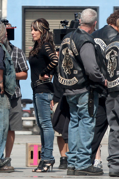 Katey Sagal showed off her derriere in a pair of skinny jeans on the set of 'Sons of Anarchy.'