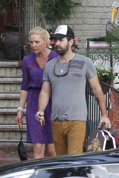 More Pics of Katherine Heigl Print Dress (2 of 51) - Katherine Heigl Lookbook - StyleBistro