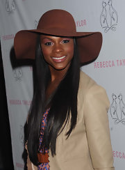 This brown suede dress hat provided a refined finish to Tika Sumpter's look during the opening of Rebecca Taylor's flagship store.