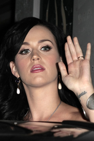 Katy Perry Dangling Gemstone Earrings []