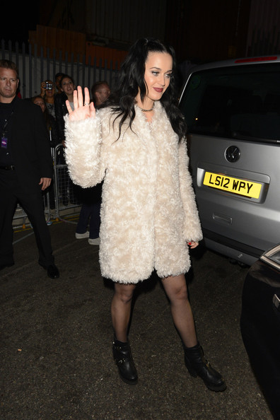 More Pics of Katy Perry Fur Coat (1 of 8) - Fur Coat Lookbook - StyleBistro